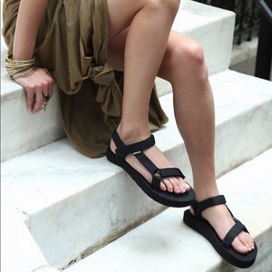 Teva universal strap sandals